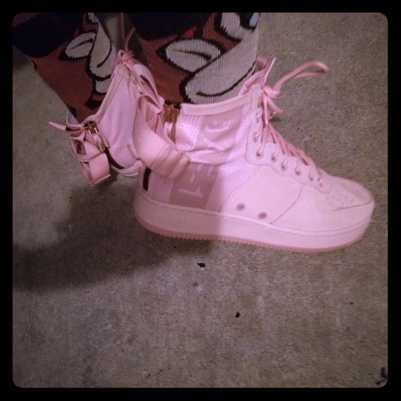 Mens pink a1 air force ones
